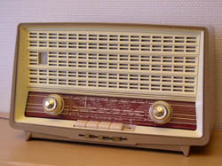 Rrör-radio från Dux radio (19kb)